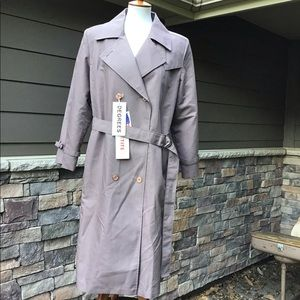 Degrees classic taupe trench coat NWT size 11/12